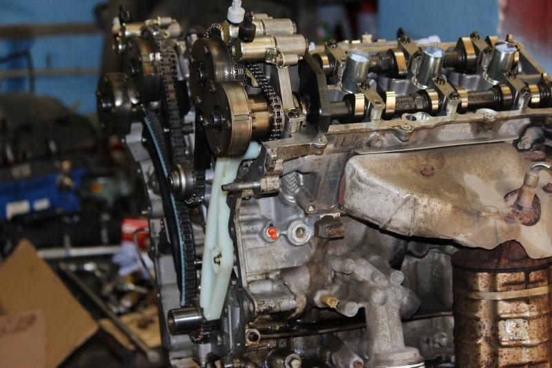 Дренажное отверстие помпы двигателя Форд 3,5 Cyclone