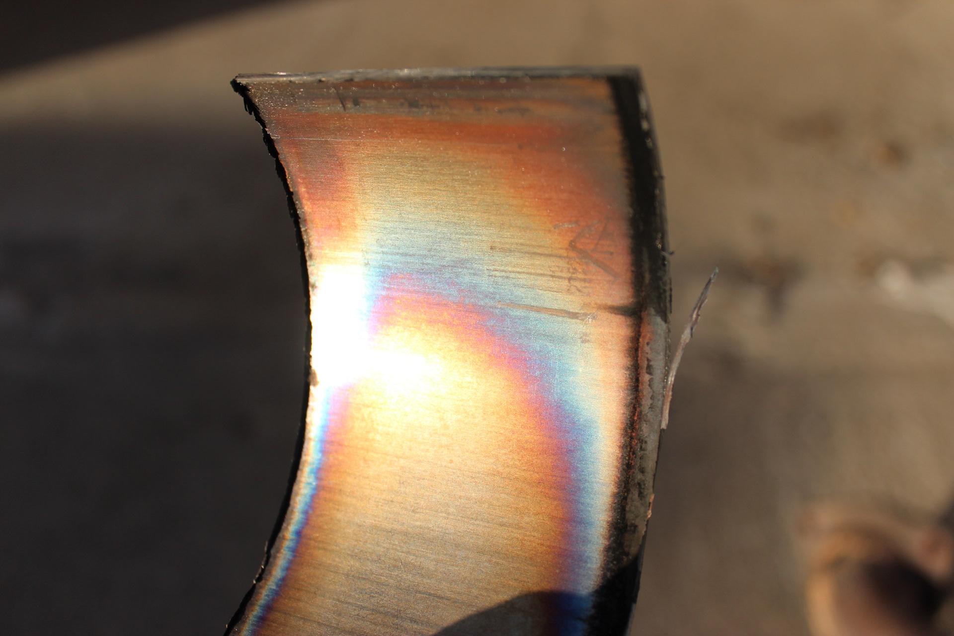 Цвета побежалости металла возникающие в месте перегрева, в результате снижения пропускной способности катализатора